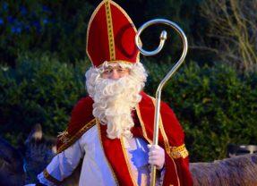 Qui veut accompagner Saint Nicolas sur le char ?